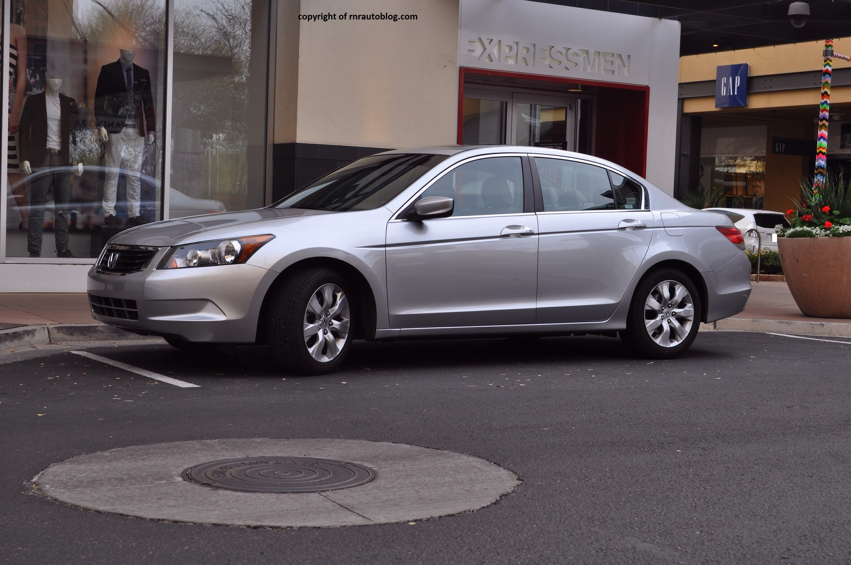 2008 Honda Accord EX Review. Accord10
