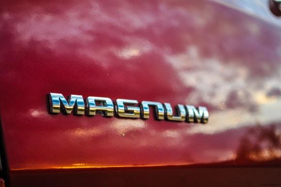 magnum logo 2