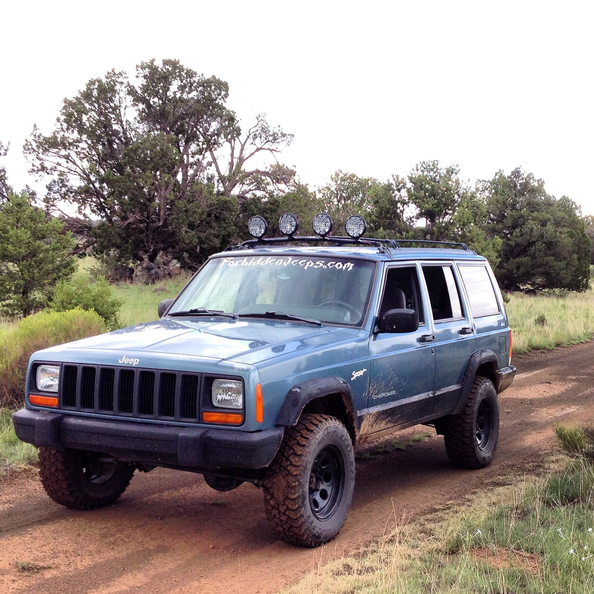 michael s 1998 jeep cherokee sport 4x4 rnr automotive blog. Black Bedroom Furniture Sets. Home Design Ideas