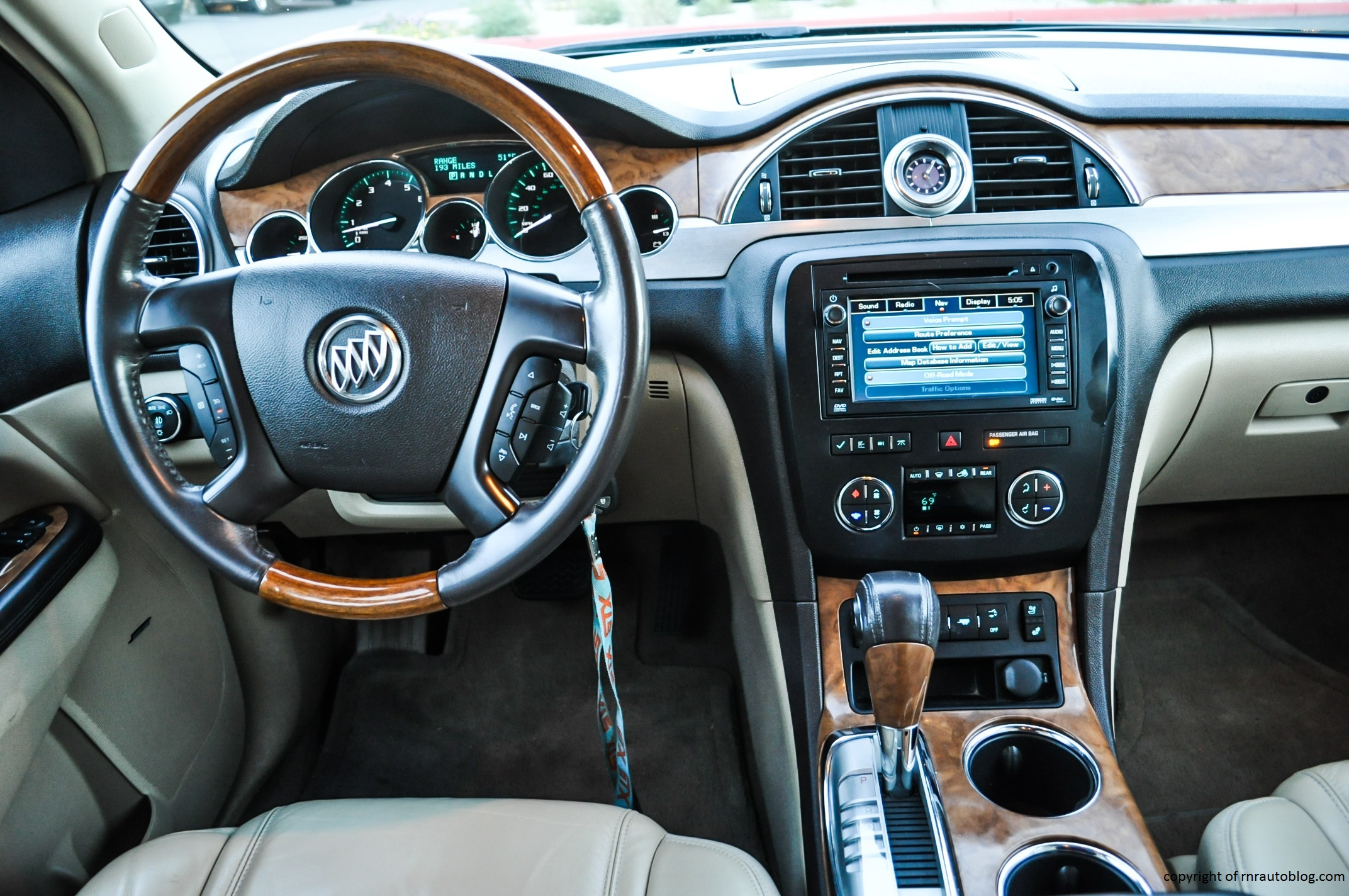 2008 buick enclave cxl review rnr automotive blog for Buick enclave interior pictures